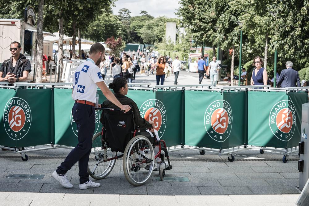 Aide aux personnes à mobilité réduite à Roland-Garros 2018