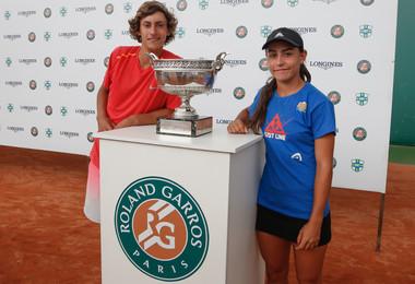 Roland-Garros Juniors Wild-card by Longines - Belo Horizonte the champions: Mateo Reyes Ana Paula Melilo.
