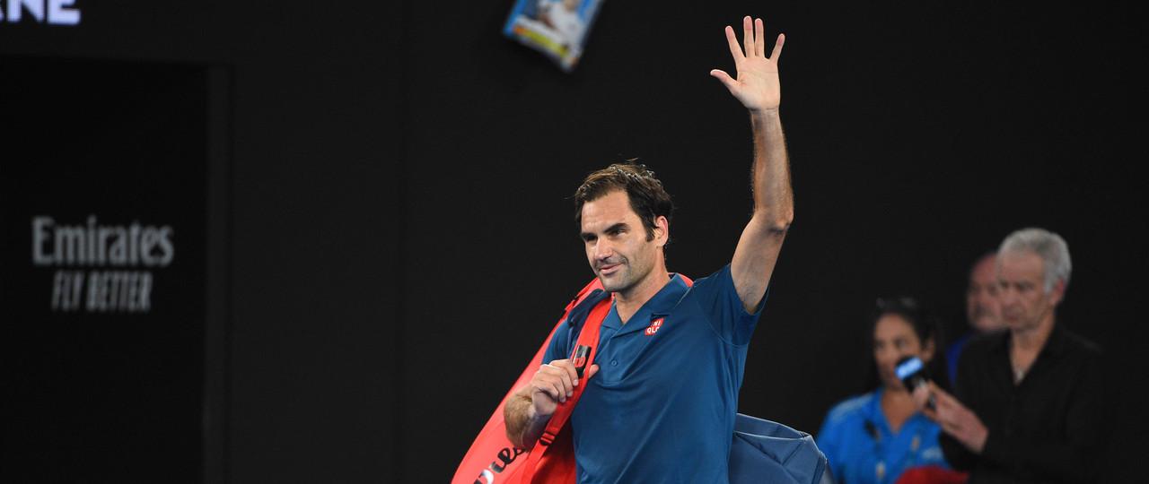 Roger Federer wawing at the Australian Open 2019 carrousel